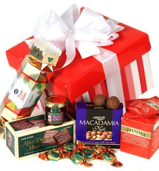 c682e5b3c2e0ffdc856098f1108e8948--christmas-hamper-christmas-treats